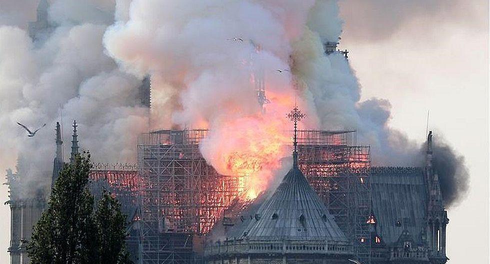 Incendio en París: Colapsó cúpula de la catedral de Notre Dame (FOTOS Y VIDEO)