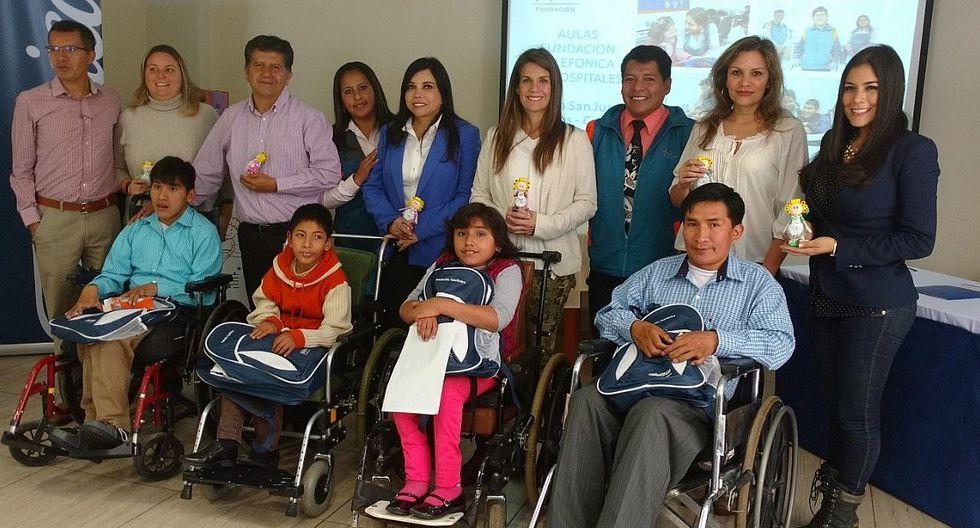Premian a ganadores de concurso nacional de arte 'Aulas en hospitales'