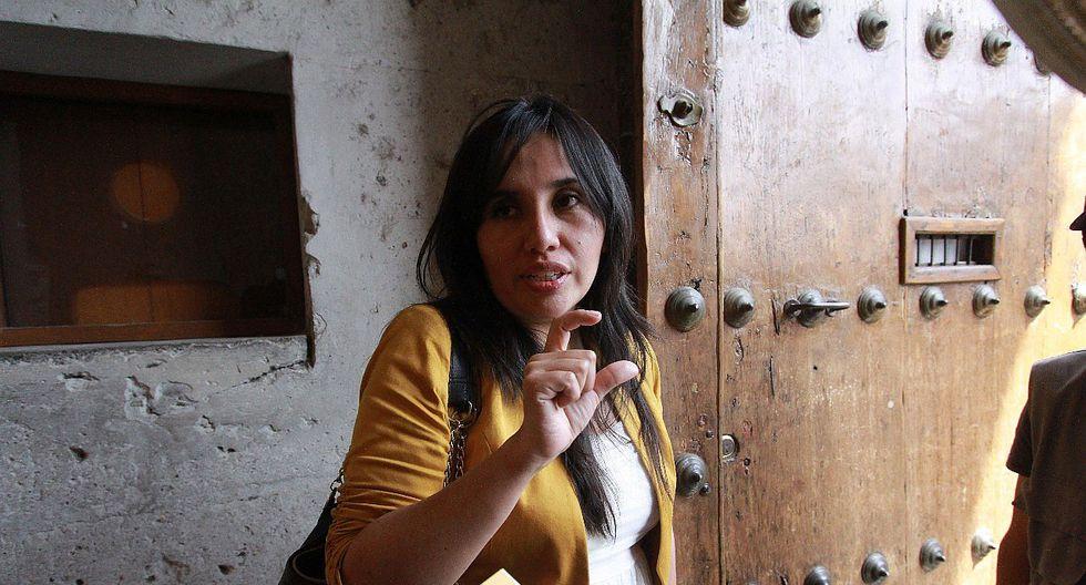 Regidora iría a prisión si no paga multa a alcalde de Paucarpata