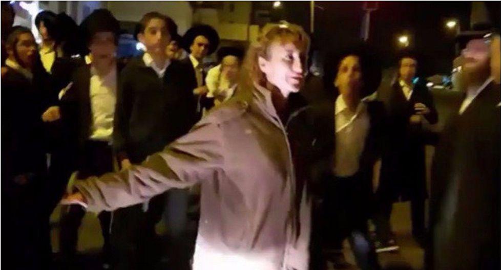 Mujer soldado se agarró a golpes con estudiantes que protestaban en Jerusalén (VIDEO)
