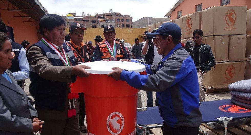 Puno: entregan segundo lote de ayuda para afectados por sismo en Lampa