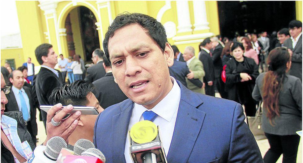 """Luis Valdez: """"Lo que hacen los consejeros parece un circo"""""""