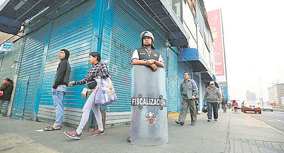 Municipio de Lima retira a ambulantes de la avenida Grau