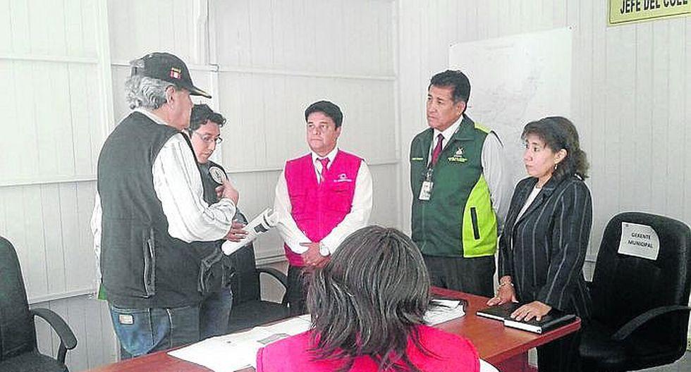 Contraloría fiscaliza que municipios inspeccionen locales por seguridad