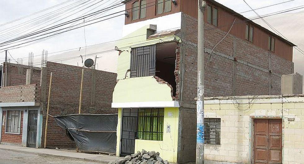 Afectados por sismo en Caravelí reconstruyen casas, pero no colegios